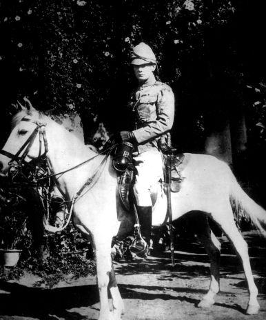 hero-of-the-empire-young-winston-churchill-on-horseback